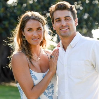 Matty-Johnson-Laura-Byrne-Bachelor-Pictures